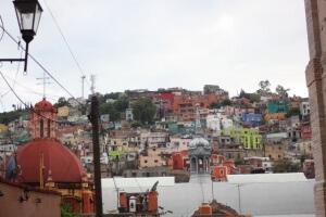Casitas pintadas de mil colores en Guanajuato. Photo by Nate.