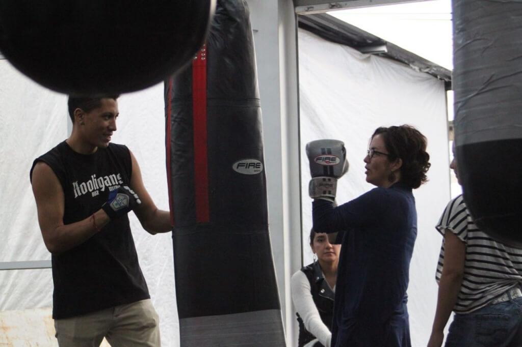 """Entrenando con Reyes """"Rey"""" Sánchez. Foto: Nate"""